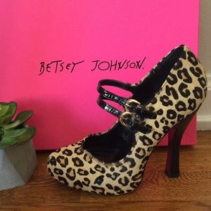 Betsey Johnson REAL COW FUR Leopard Print Pumps